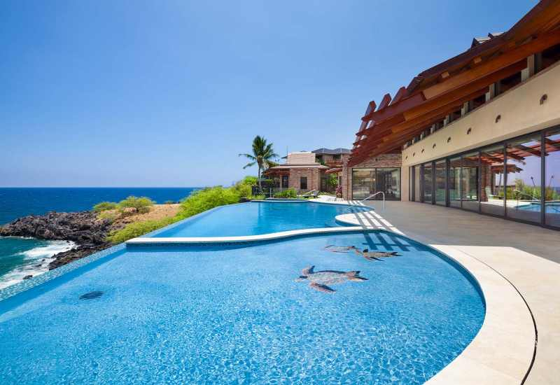 25-hawaii-pool-luxury-waterfront-home-sea-turtles